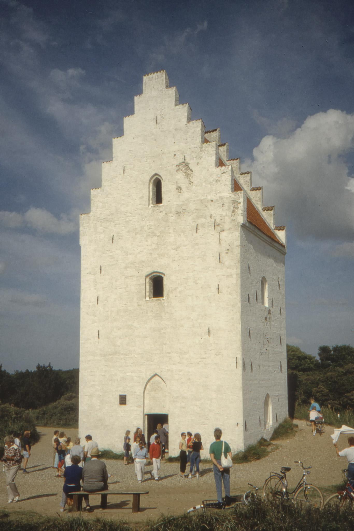 Den översandade kyrkan söder om Skagen.