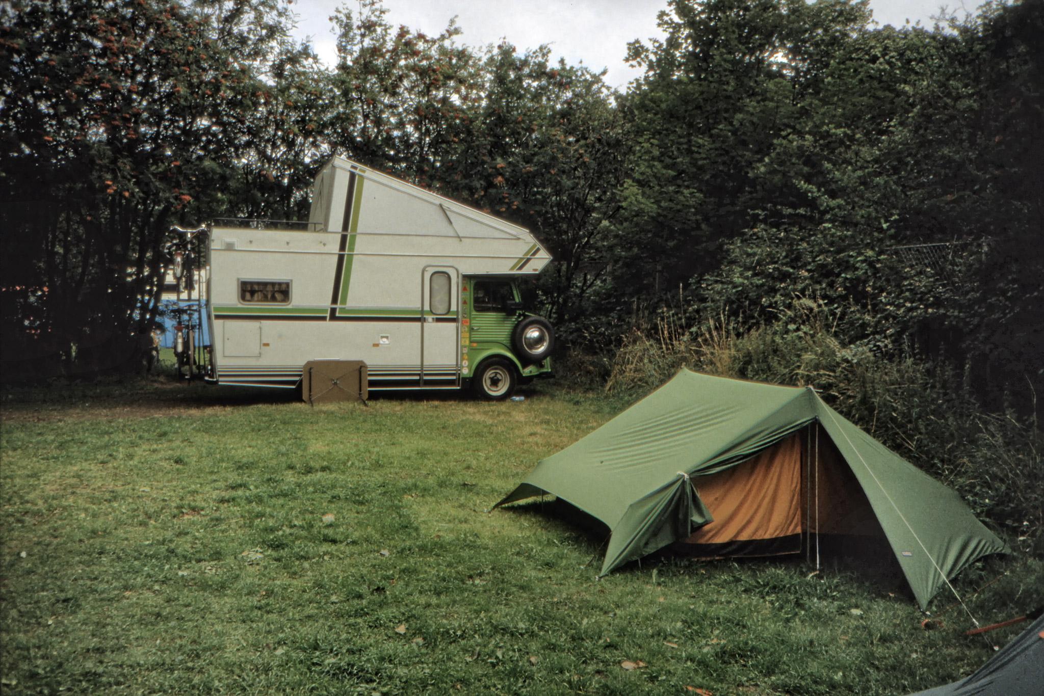 Fredriks tält på campingplatsen i Ribe.
