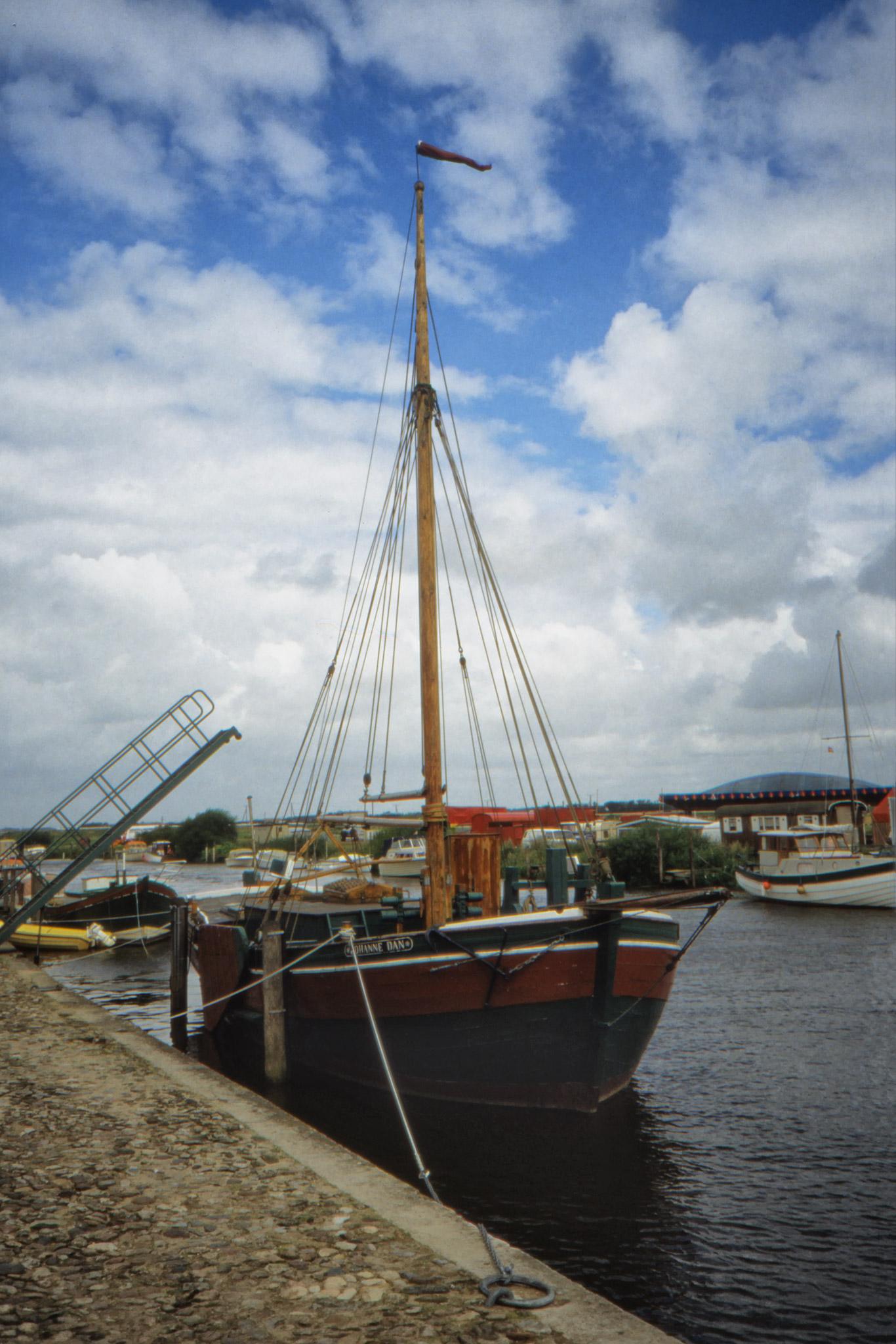 Segelfartyg i Ribes hamn.