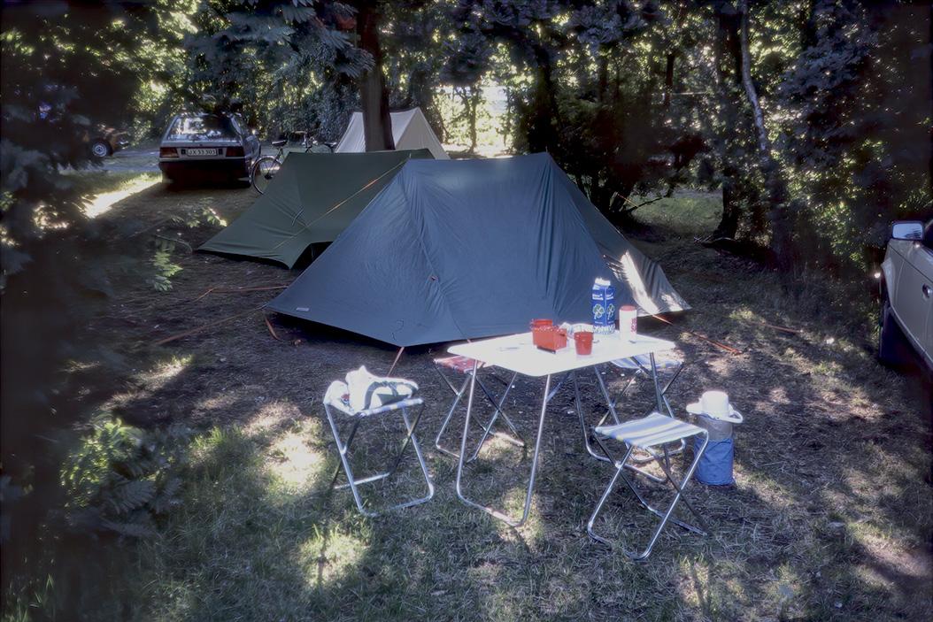 Våra tält på campingplatsen i Ebeltoft.