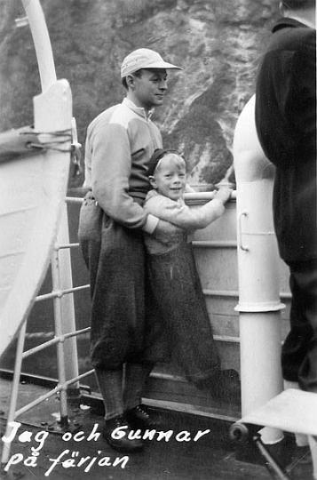 Jag och min pappa ombord på en färja