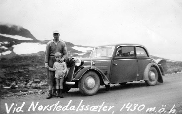 Jag och min pappa vid familjens DKW