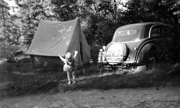 Här leker jag på campingplatsen i Norge