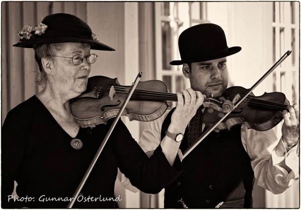 Folkmusik är ofta detsamma som fiolmusik.