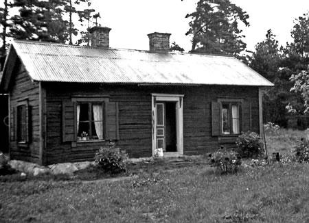 Stugan midsommaren 1957.