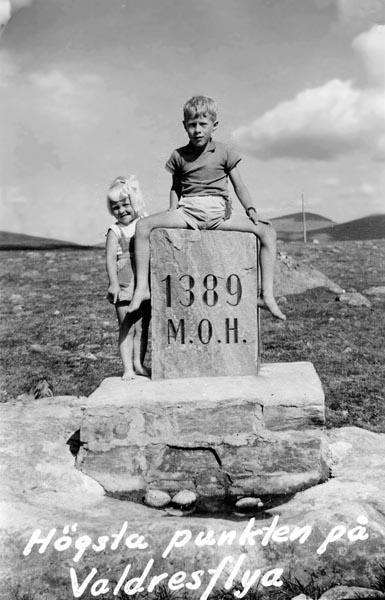 Jag och min syster på högsta punkten på Valdresflya.