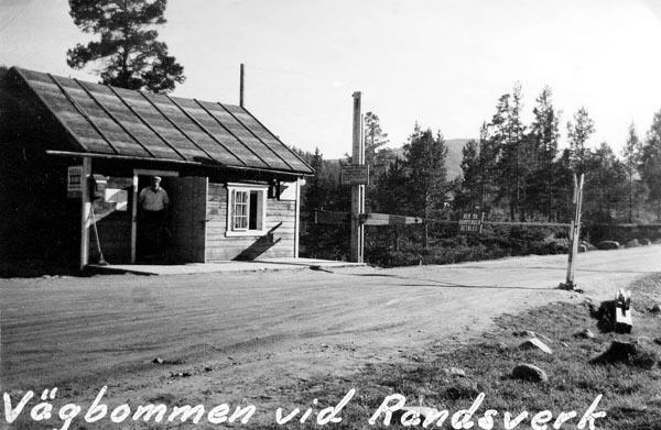 Vägbom vid Randsverk.