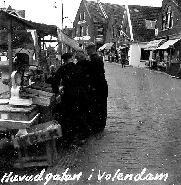 Huvudgatan i Volendam