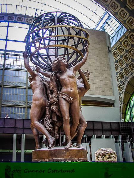 Staty i den stora hallen.