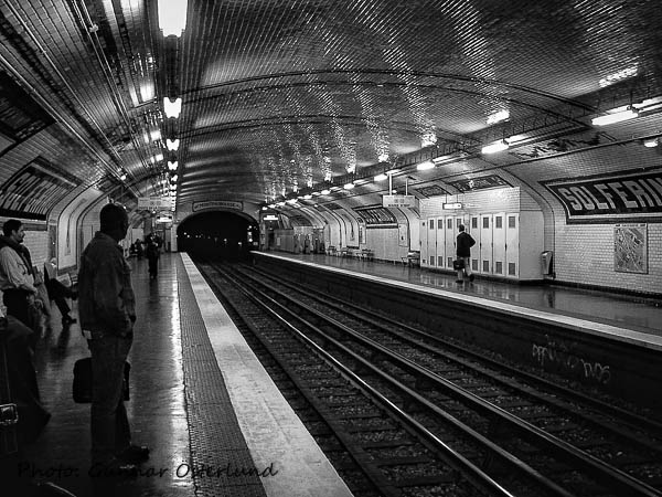 Tunnelbanestation i Paris.