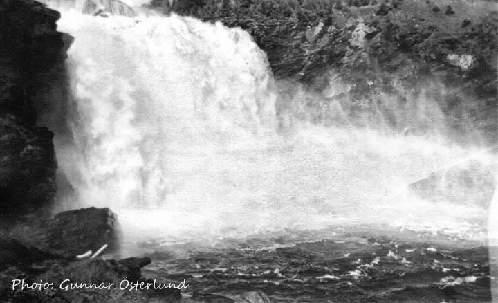 Tännforsen, ett rejält vattenfall.