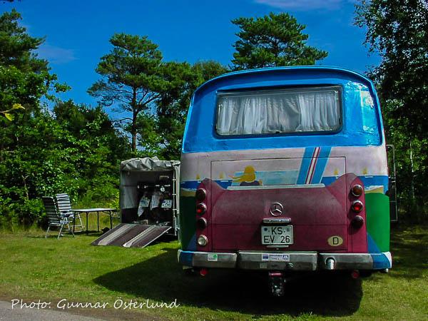 En hemmagjord campingbuss på Bunkens camping.