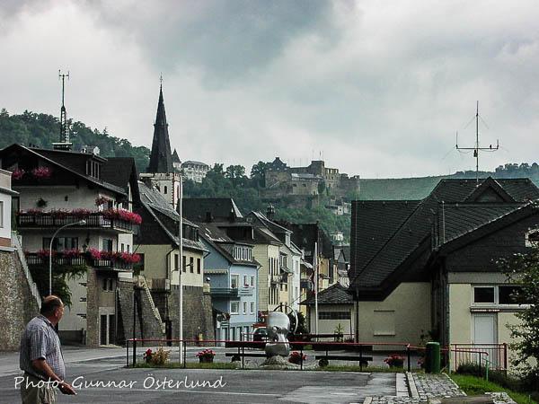 En liten stad vid Rhen