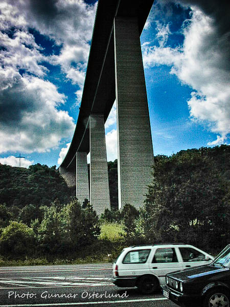 Motorvägsbro över Mosel