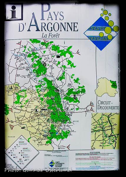 Orienteringskarta vid en rastplats.