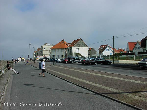 Strandpromenaden i Wimereaux vid den franska kusten.