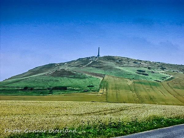 En kulle söder om Calais.