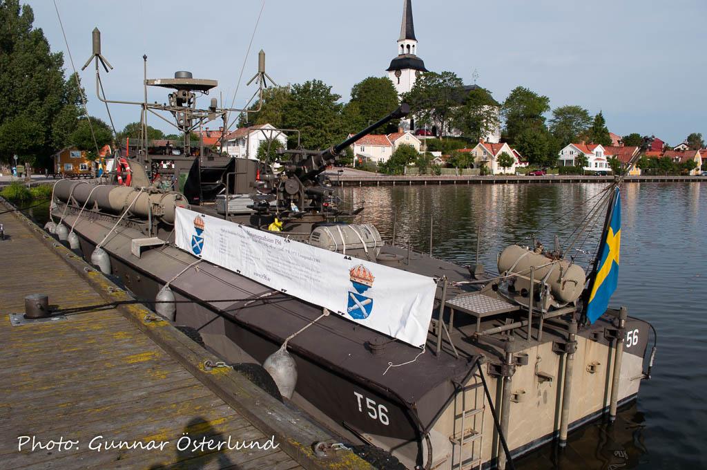 T56 vid ångbåtsbryggan i Mariefred.