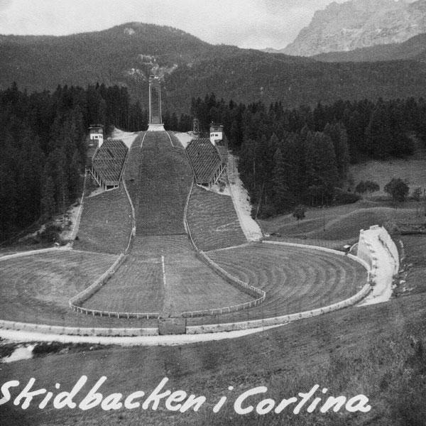 Olympiahoppbacken i Cortina i Italien.