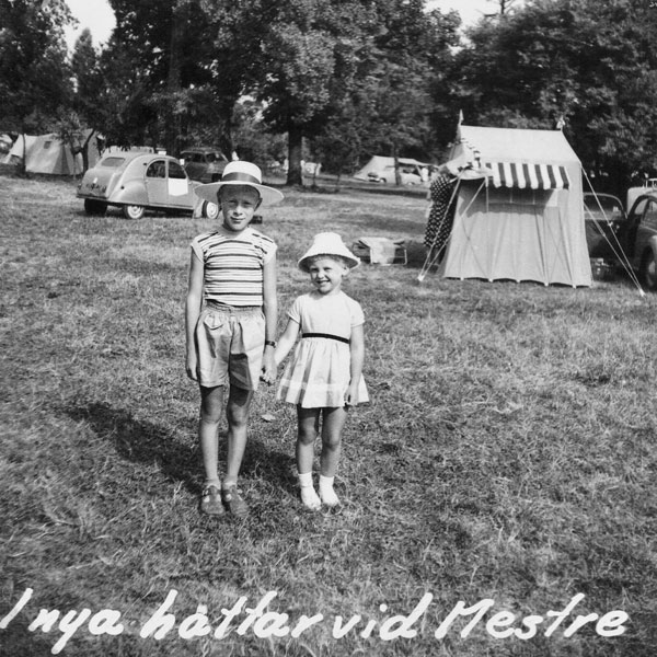 Min syster och jag på campingplatsen i Mestre, Italien.