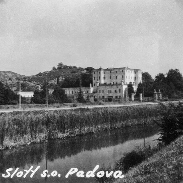 Slott sydost om Padova.