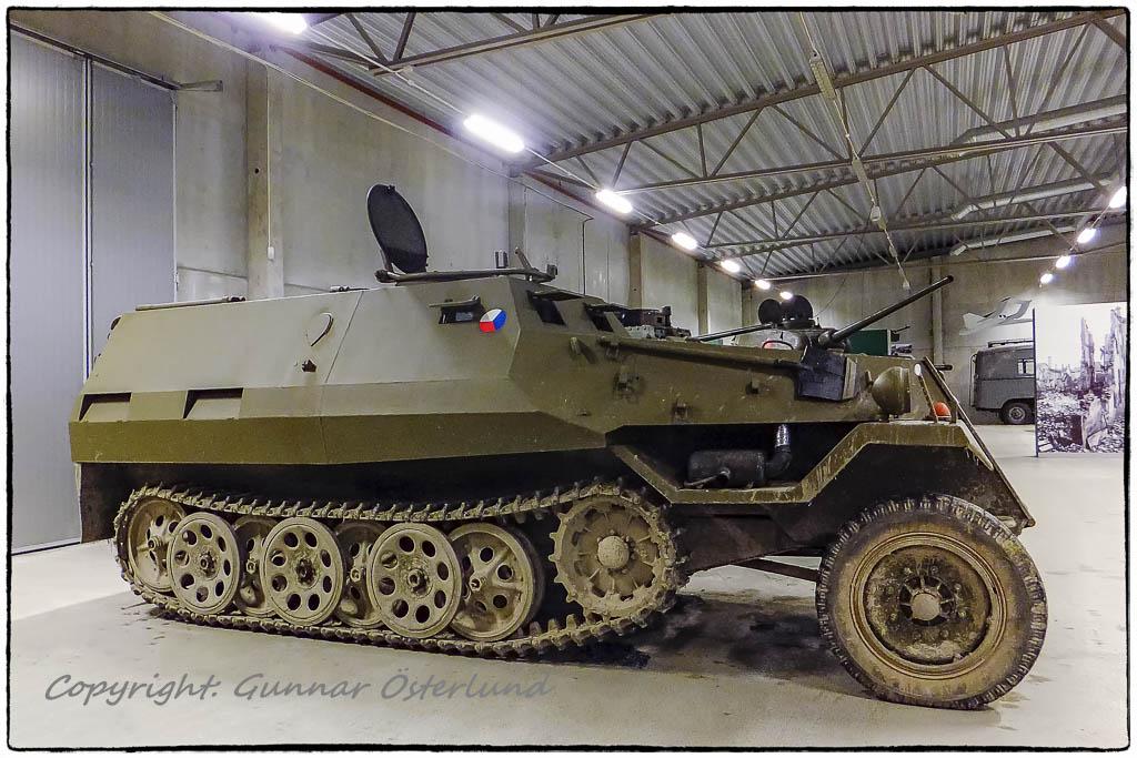 En tjeckisk halvbandsledningsvagn, OT-810/R2.