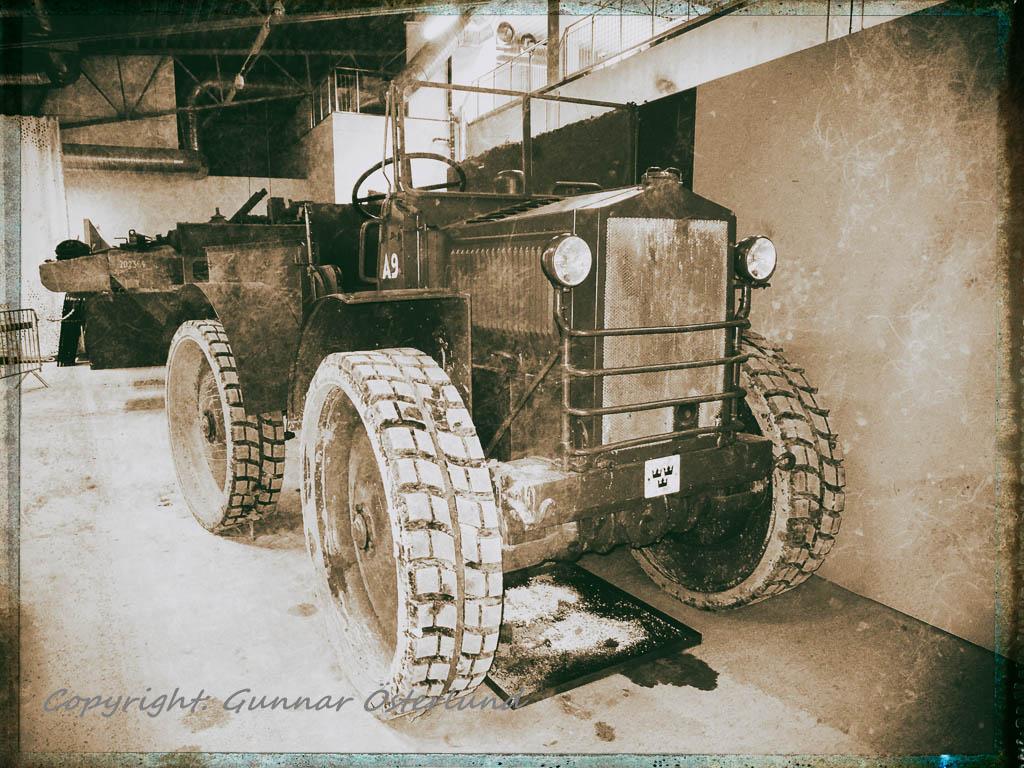 Arttrak m/28, en gammal kämpe.