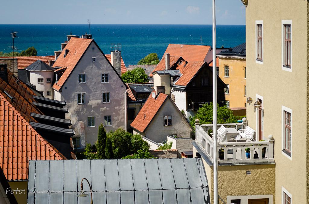 Utsikt över Visby mot Östersjön.