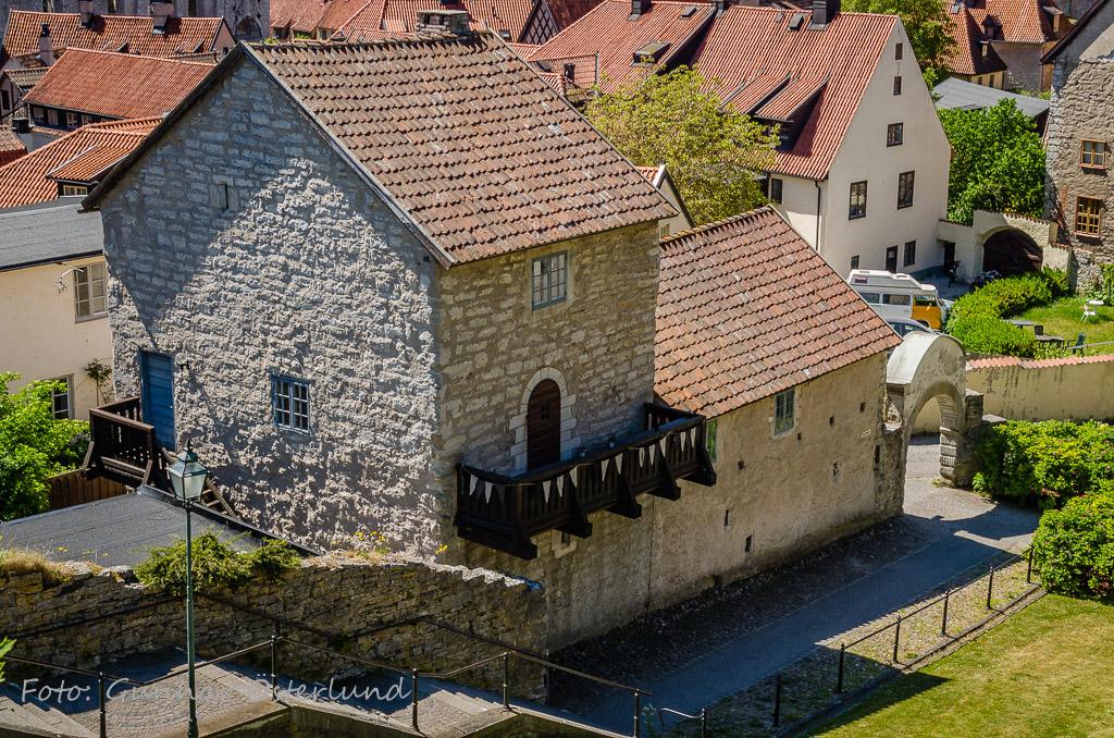 Gammalt hus nära domkyrkan i Visby.