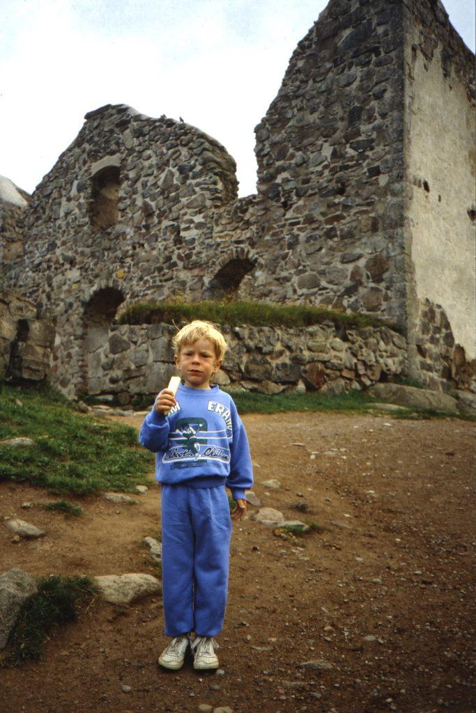 Arvid vid Brahehus utanför Gränna.