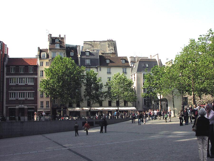 Utanför Centre Pompidou.