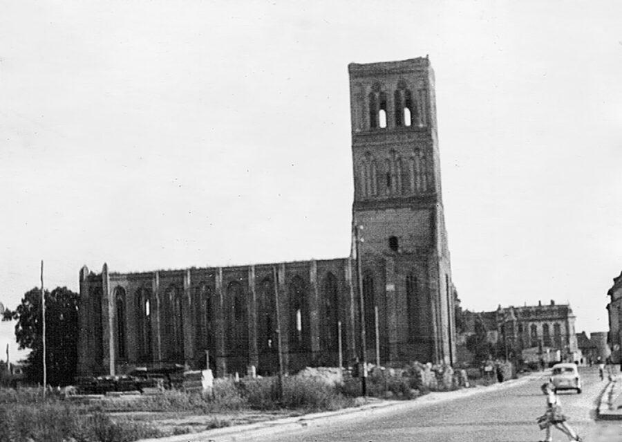 Kyrkoruin i DDR.