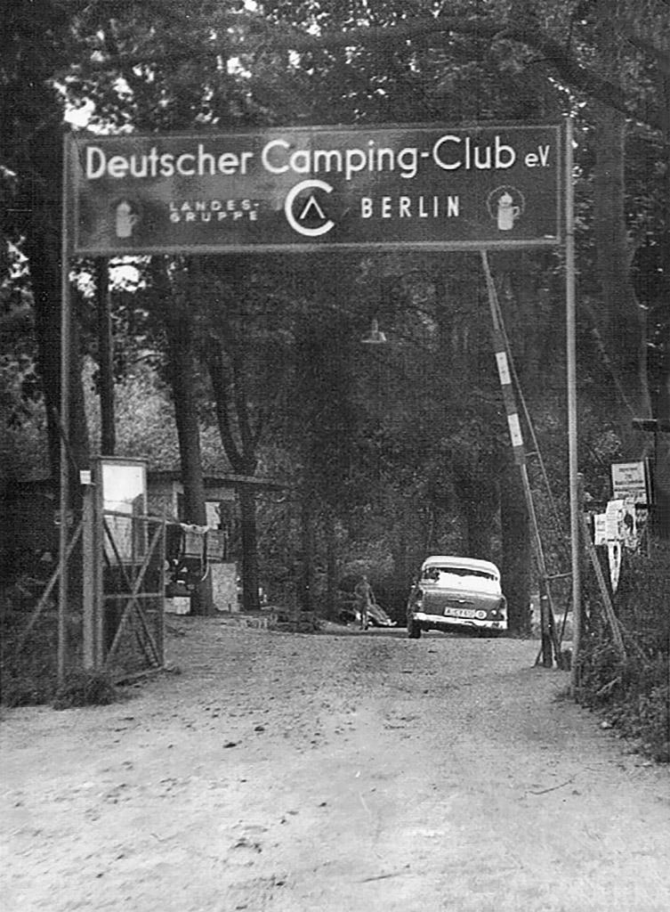 Kohlhasenbrück. Campingplatsens entré.