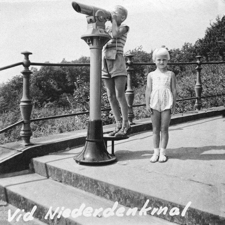 Kikaren testas vid Niederdenkmal