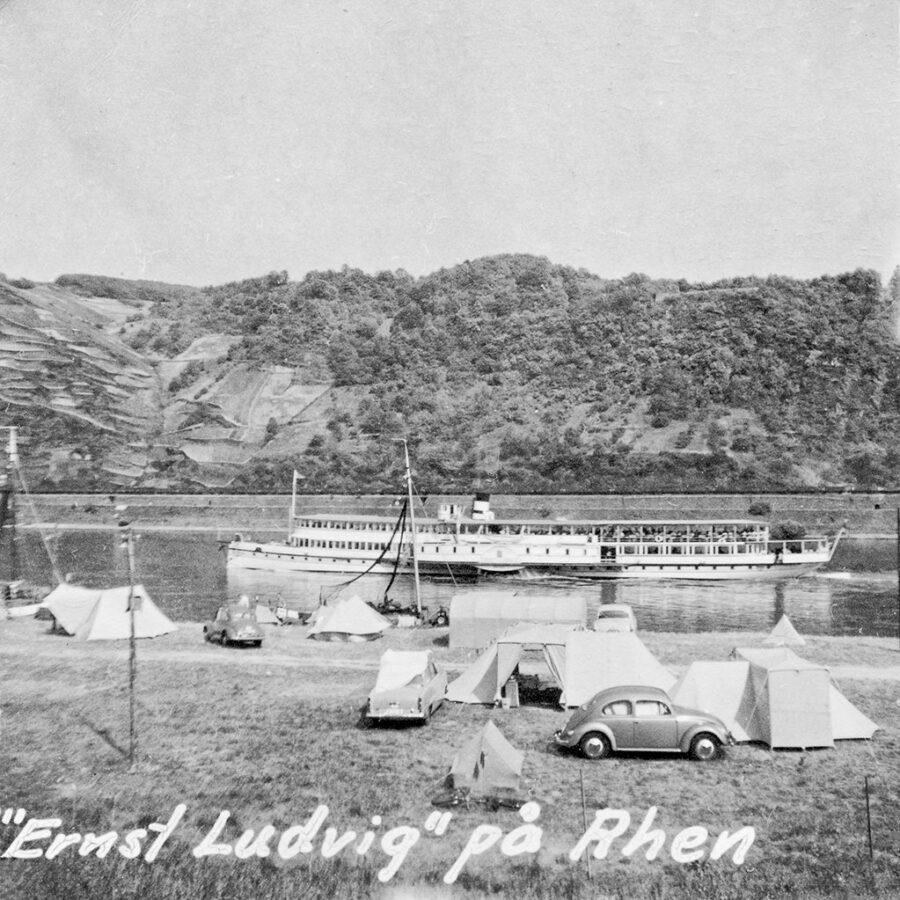 """""""Ernst Ludvig"""" på Rhen."""