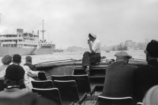 Guiden på rundtursbåten Paddan