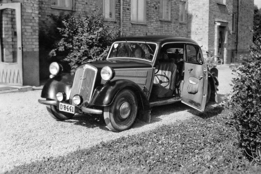 Bilen inför starten 15 juli 1951.