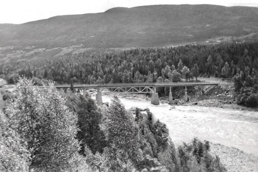 Järnvägsbron vid Vinstra.