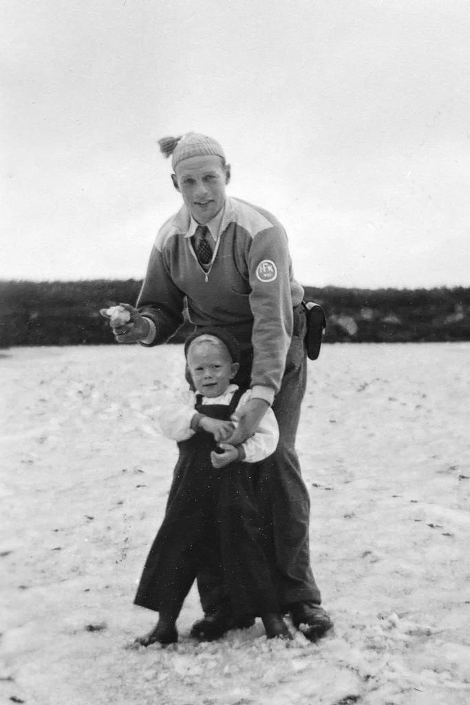 Gunnar och hans pappa Erik på Dovrefjell.