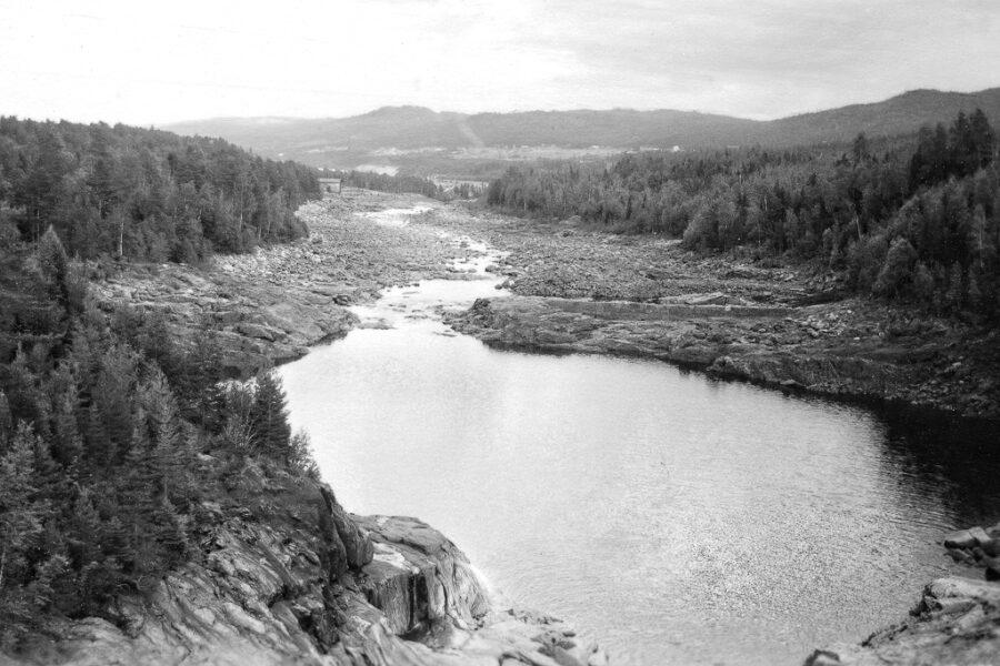 Indalsälven nedströms kraftverket vid Krångede.