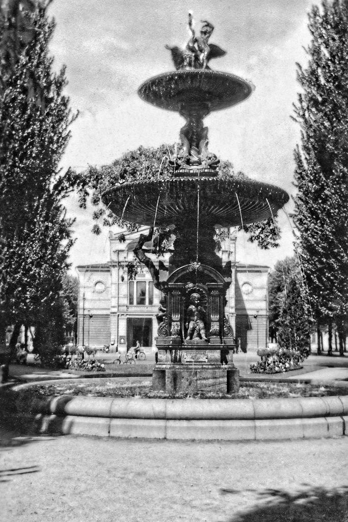 Fontänen framför Gävles rådhus.