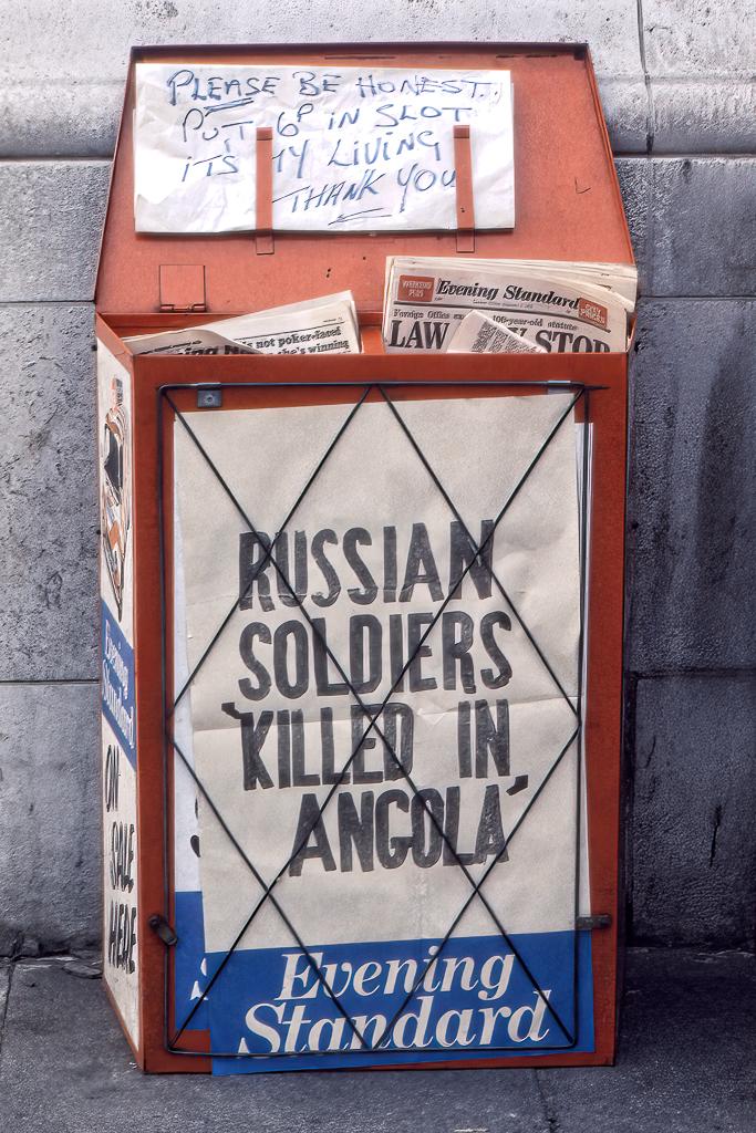 Obemannad tidningskiosk.